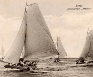 Zeilwedstrijd voor Boeiers bij Sneek Collectie Fries Scheepvaart Museum. www.ssrp.nl